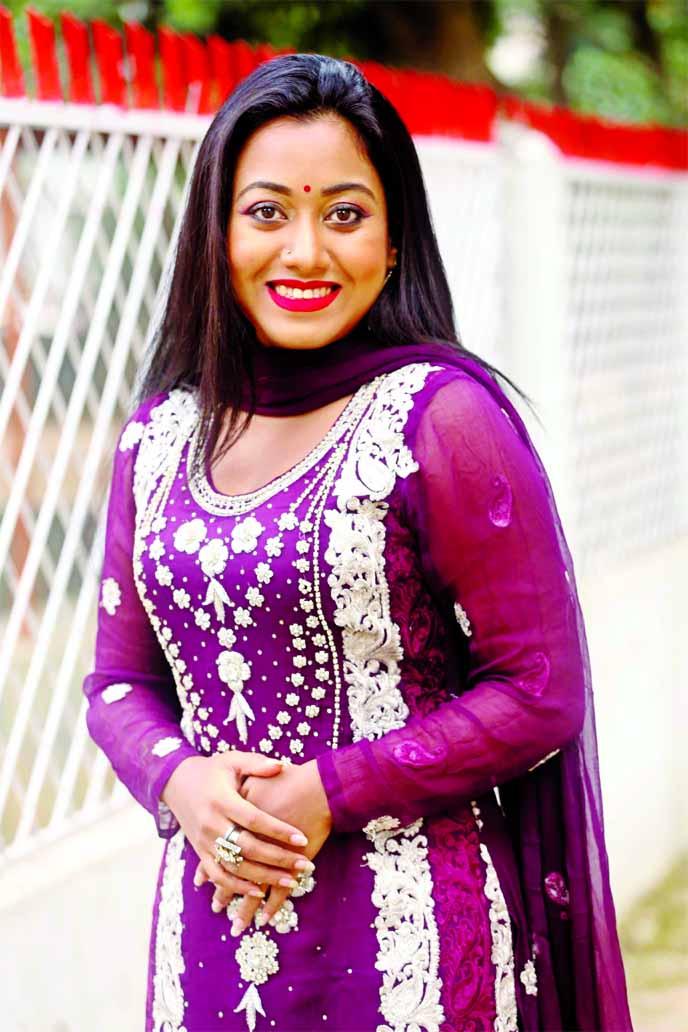 Chamok Tara returns acting