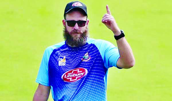 Vettori donates his two day's salary