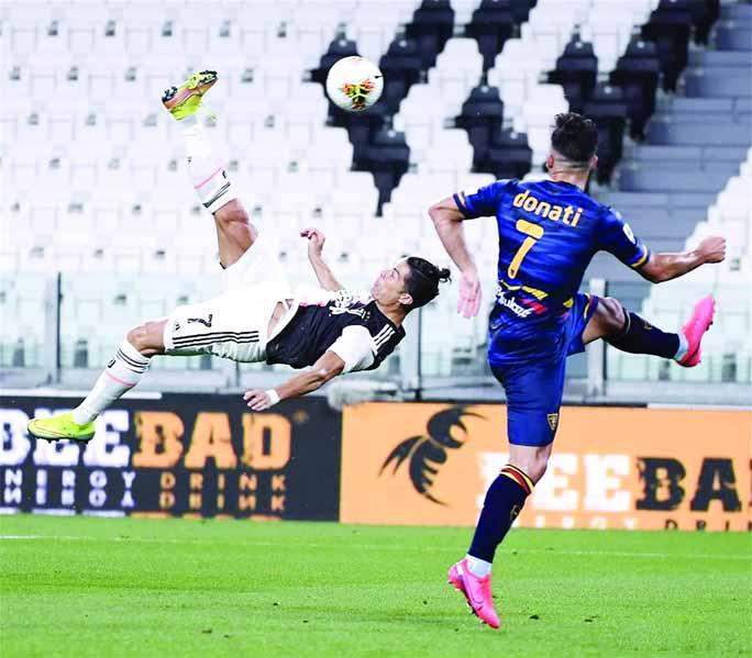 Ronaldo back in form as Juventus beat 10-man Lecce 4-0