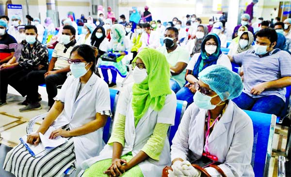 The temporarily recruited doctors go on a work abstention on Sunday at city's BIRDEM Hospital demanding for regularization of jobs.