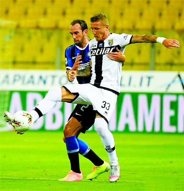 Inter rally to beat Parma as Atalanta win again