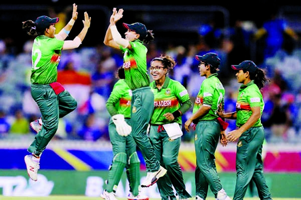 Women cricketers to be added in BCB corona app next week