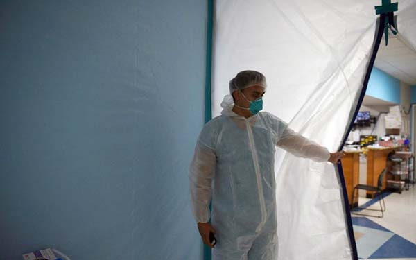 US coronavirus cases rise by 47,000, biggest one-day spike of pandemic