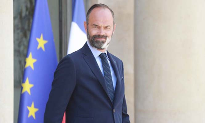 French PM Philippe resigns