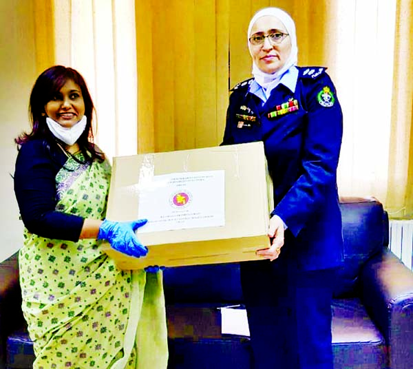 Nahida Sobhan, Bangladesh Ambassador to Jordan, hands over necessary utensils to Dalal Sawyalha, Director of Amman's Joyaideh Rehabilitation Center, where a total of 103 Bangladeshi female detainees are living now after their arrest on various offences. Photo Courtesy: Ministry of Foreign Affairs.