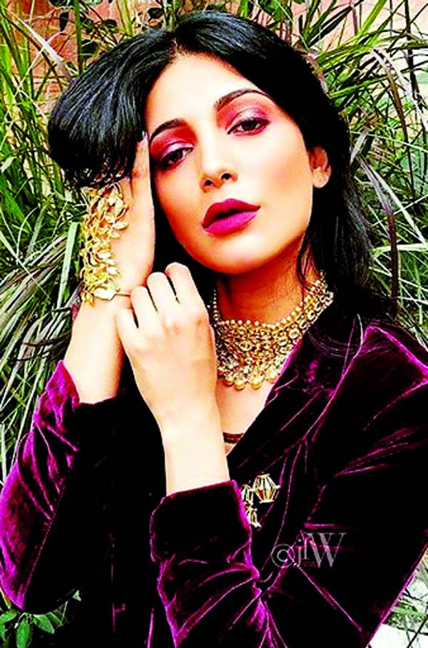 Shruti Hassan's swanky look to astonish her fans
