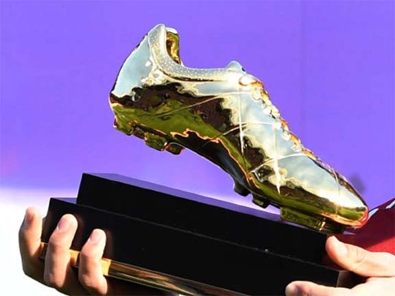 Premier League's Golden Boot race hots up