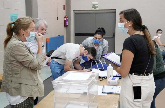 Safety first for Spaniards voting amid new coronavirus outbreaks