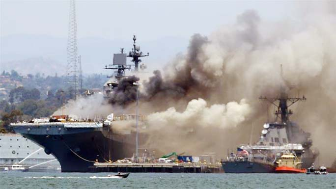 21 injured after an explosion and fire on a naval ship in San Diego