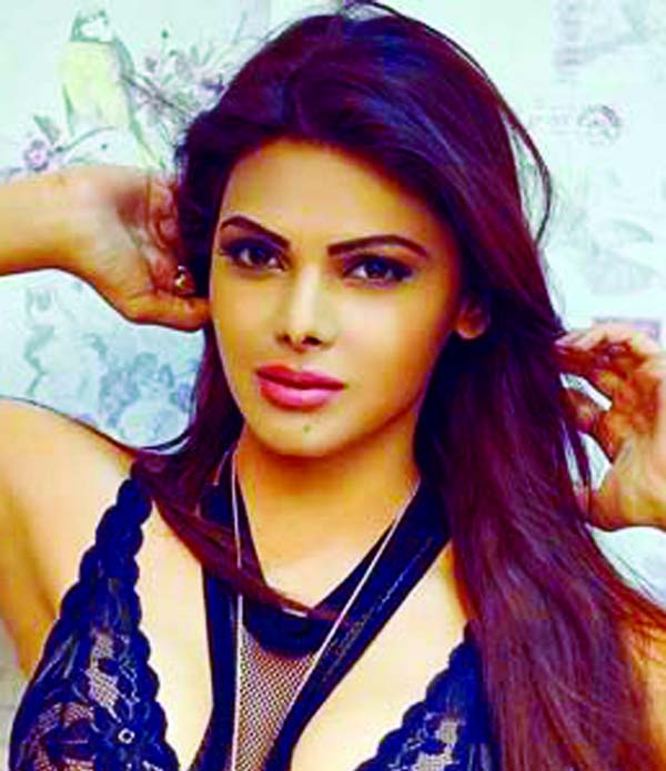 Sherlyn Chopra gets Instagram burning up with spicy video