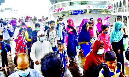 The Eid vacation is over. People started geting back to the capital. The photo was taken from Sadarghat launch terminal on Tuesday.