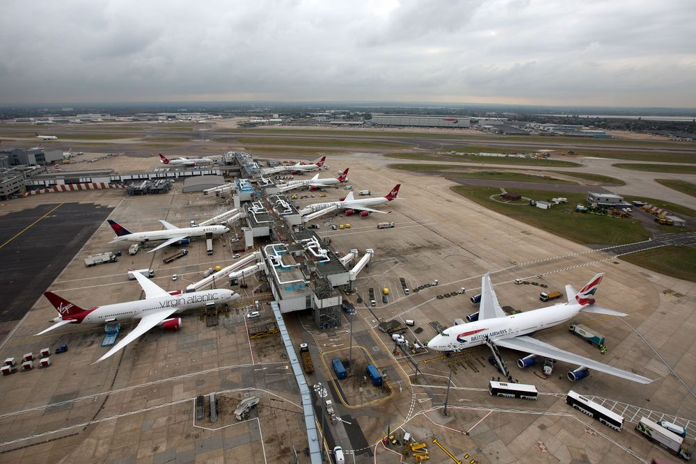 Heathrow: Coronavirus quarantine 'strangling UK economy'
