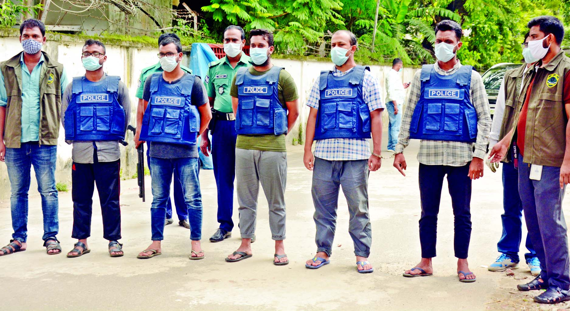 The members of Counter Terrorism and Transnational Crime unit of police on Wednesday arrested 5 members of neo-JMB from Sylhet and brought them to Dhaka. The photo was taken from in front of DMP Media Center on Wednesday.