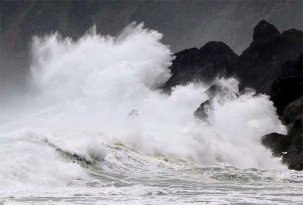 Typhoon Haishen brings strong winds, power outages to Japan