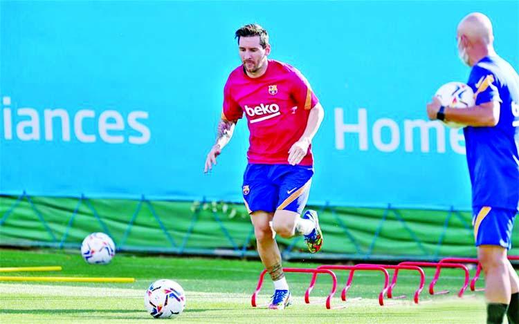Messi trains alone as Barca reintegration begins