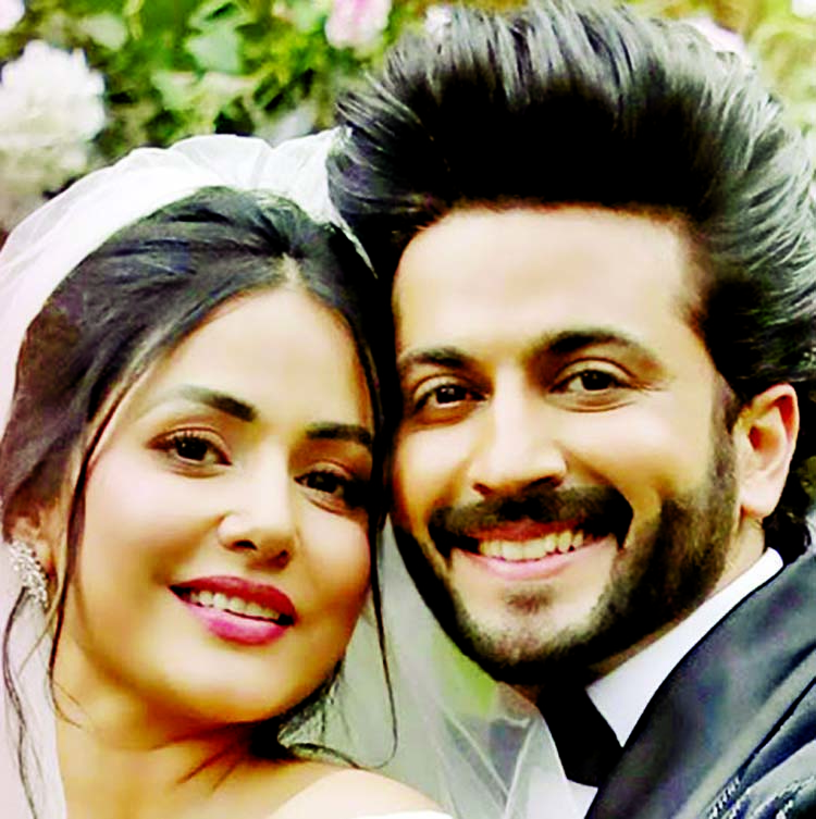 Hina Khan, Dheeraj Dhooper's romantic tale is out now