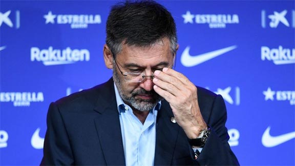 Bartomeu to face vote of no- confidence from Barcelona members