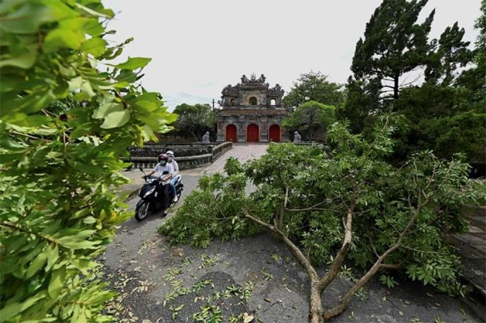 Tropical Storm Noul pounds Vietnam; one dead, dozens injured