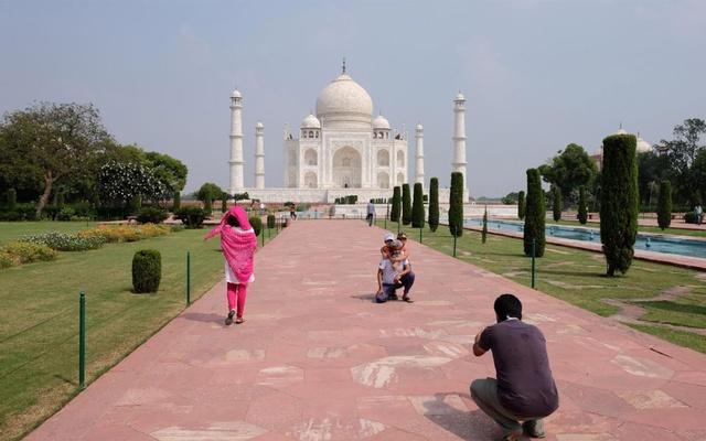 India's Taj Mahal gets first visitors even as coronavirus infections climb