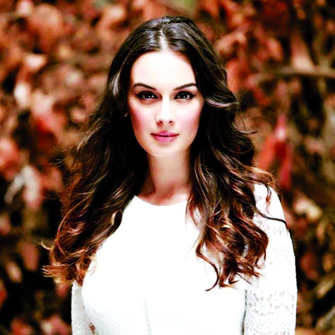 Evelyn Sharma's ravishing beauty in latest picture