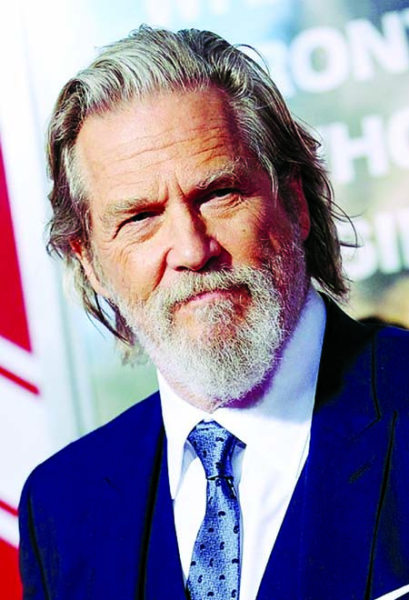 Jeff Bridges diagnosed with cancer, urges everyone to vote