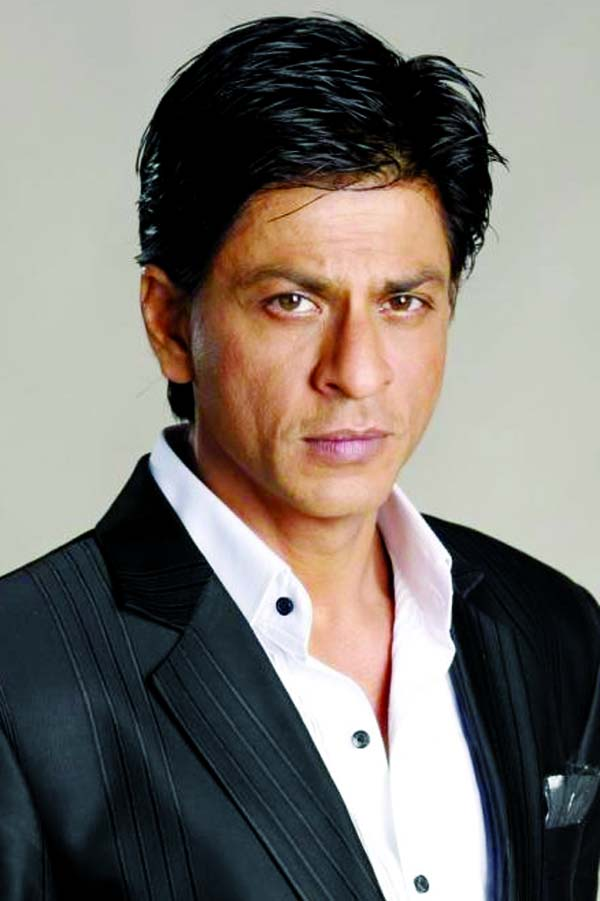 Shah Rukh donates 2,000 PPE kits to frontline workers