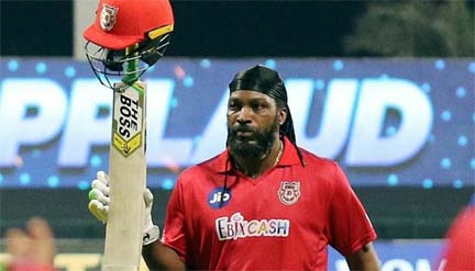 Gayle passes 1,000 T20 sixes, misses century by one run