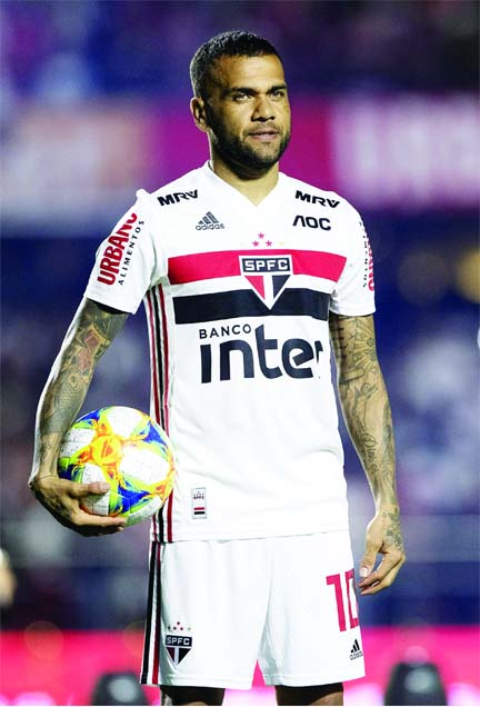 Dani Alves living his 'dream' at Sao Paulo