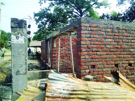 An influential quarter constructs a house illegally grabbing a piece of government land in Kotchandpur upazila in Jhenaidah district.
