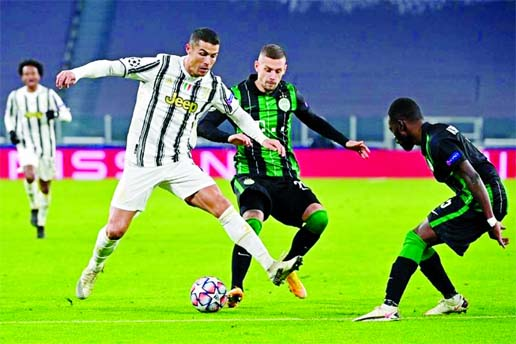 Juventus move into last 16 with 2-1 win over Ferencvaros in CL