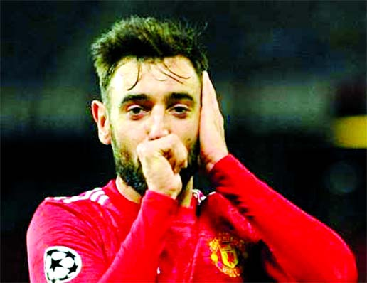 Fernandes double helps MU avenge Istanbul defeat in CL