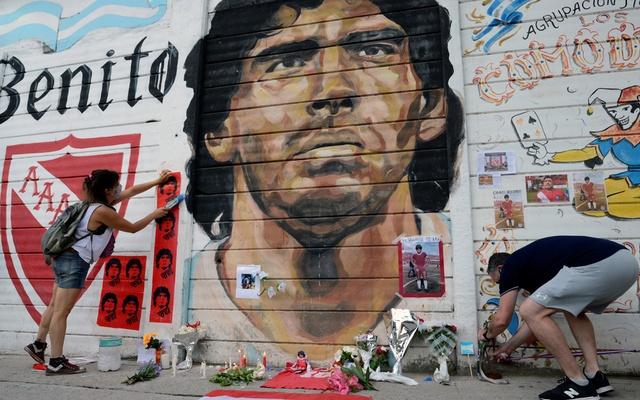 'An immense sadness': Argentina mourns death of Maradona