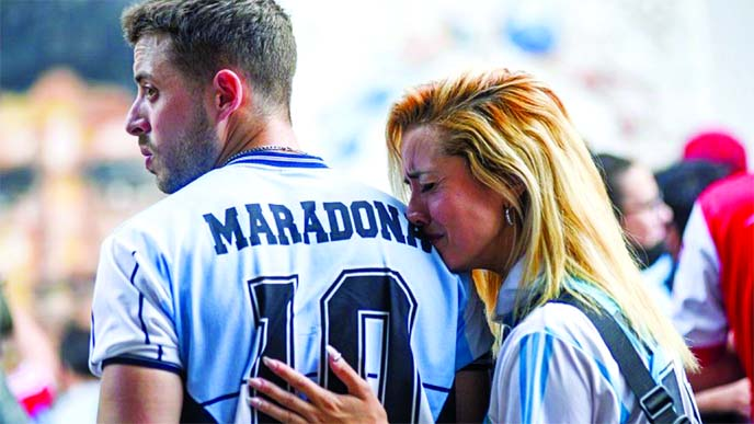 Fans of Maradona wailing in Argentina on Wednesday after death of Diego Maradona.