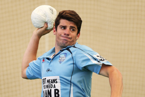 Injury-hit Australia call up Henriques for India Test
