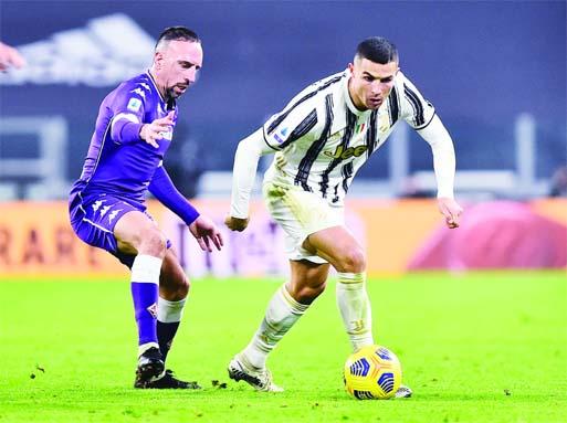 Ten Man Juve Crash To First Serie A Defeat Of Season