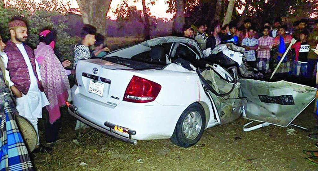 4 killed in bus car collision in Narsingdi