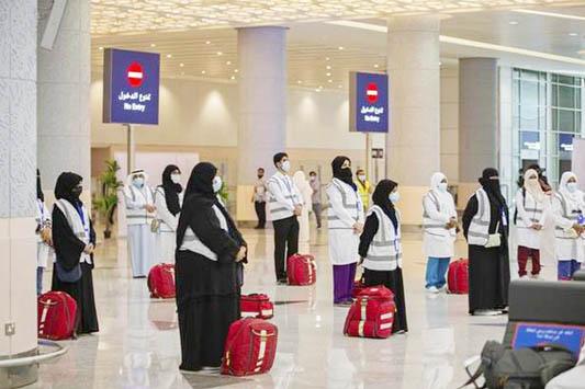 Saudi Arabia resumes international flights, keeps some restrictions