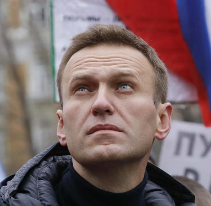 Navalny faces arrest on return, Russian prison service warns