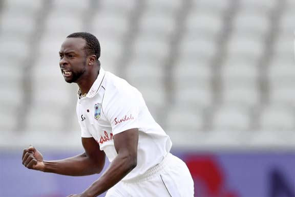 Play Tests against BD 'special something', Kemar Roach