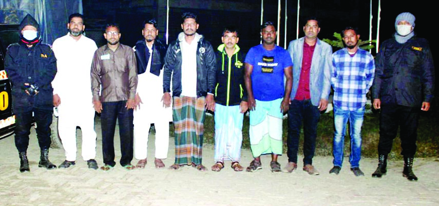 RAB-10 nabs seventeen gamblers conducting raids in the city's Chwakbazar and South Keraniganj areas on Friday night.