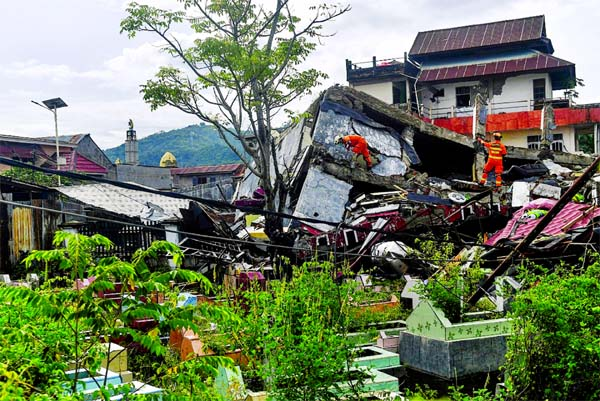 Indonesia hunts for survivors as quake death toll hits 73