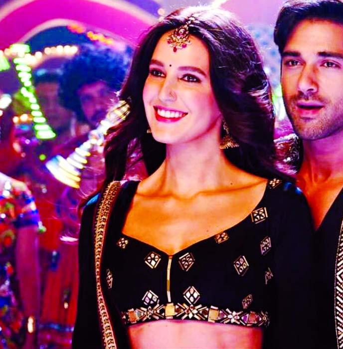 Katrina's sister Isabelle to star with Pulkit Samrat
