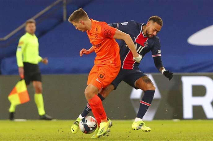 PSG thrash Montpellier to open three-point lead in Ligue 1