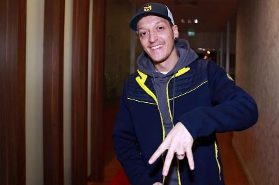 Ozil completes move from Arsenal to Fenerbahce
