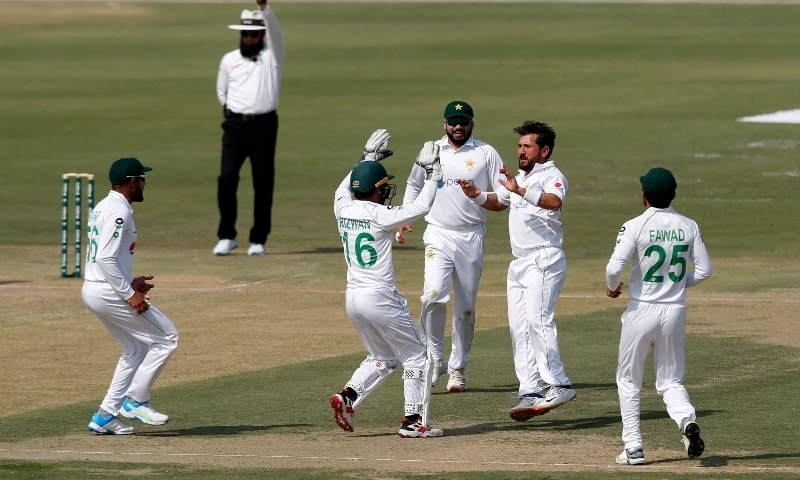 Pakistani top order crumbles before South Africa in first Karachi Test