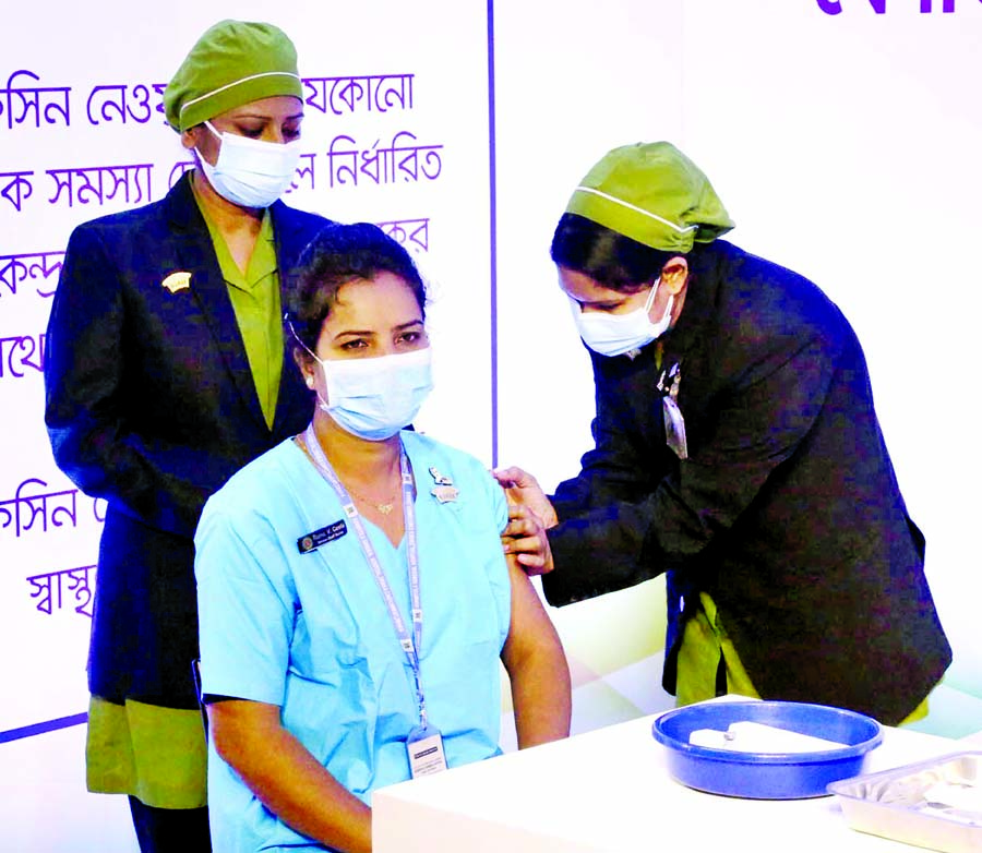 Nurse Runu becomes first person in Bangladesh to receive Covid-19 vaccine