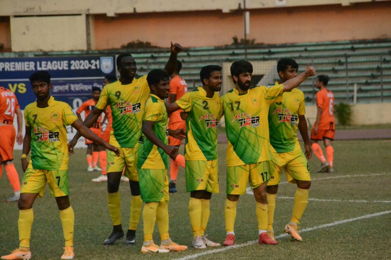 Players of Rahmatganj MFS celebrating after beating Brothers Union in their match of the Bangladesh Premier League (BPL) Football at the Bangabandhu National Stadium on Sunday. Rahmatganj won the match 2-0.