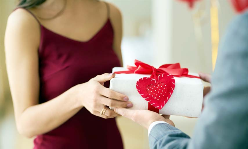 About Valentine's Day Gift-giving