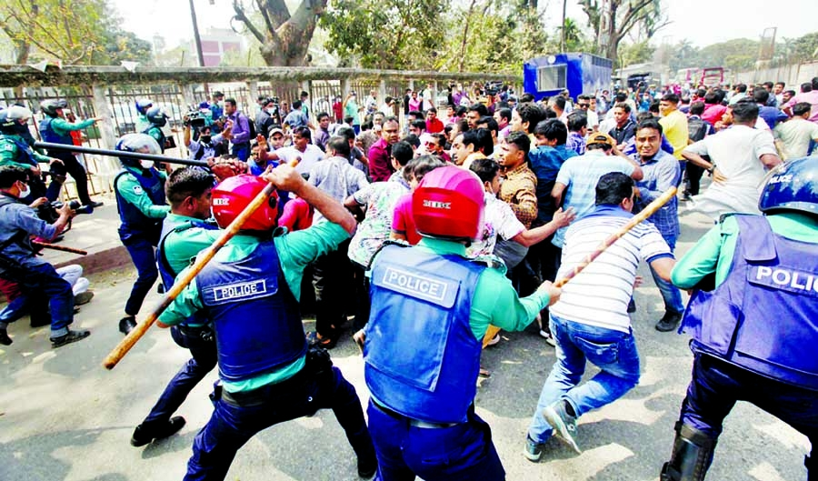 Police, JCD clash foil rally against custodial death 50 hurt, cops fire rubber bullets, charge baton
