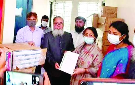Diamond Egg Poultry Company gifted a large quantity of hygiene products to Kapasia Upazila Health Complex in Kapasia, Gazipur on Sunday morning. Local MP Simeen Hussain Rimi received those from the company official.